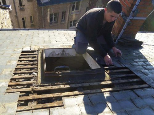 poser une fen tre de toit sur une toiture en ardoise est ce possible ardoise angers. Black Bedroom Furniture Sets. Home Design Ideas
