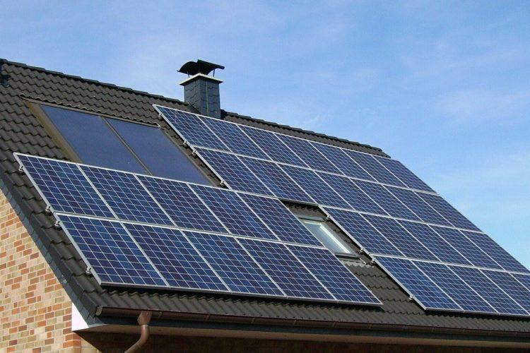 Installer des panneaux PHOTOVOLTAÏQUE pour une source d'énergie verte et gratuite